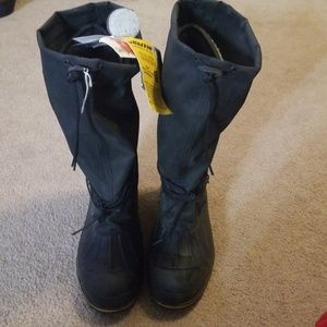 Baffin boots new with tags